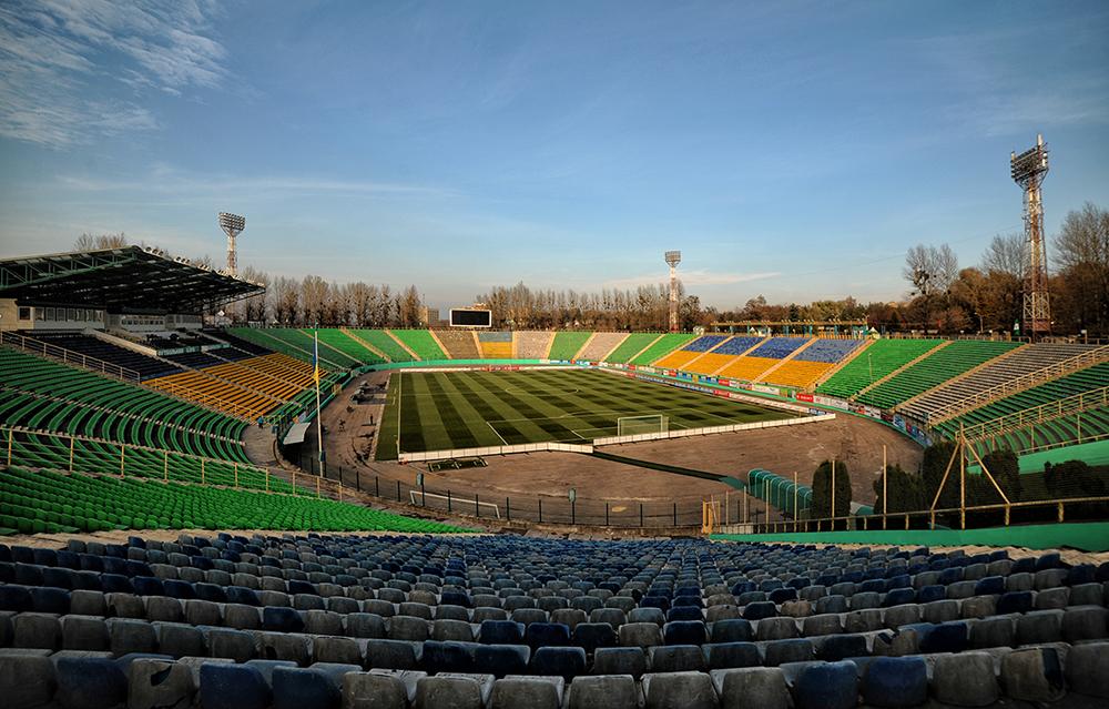 Lviv_Ukraina_Stadium12